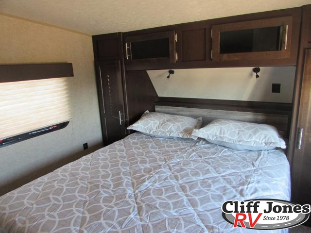 2017 Forest River Cherokee 255RR Toy Hauler Fifth Wheel