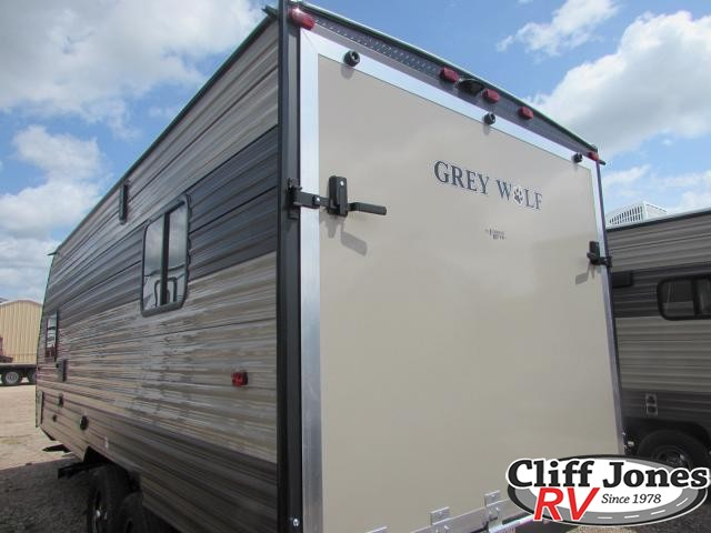 2018 Forest River Cherokee Grey Wolf 19RR Toy Hauler