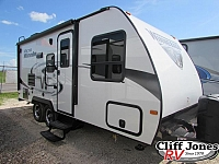 2019 Winnebago Micro Minnie 2106FBS Travel Trailer
