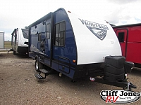 2019 Winnebago Micro Minnie 1700BH Travel Trailer