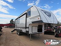 2020 Winnebago Micro Minnie 2405RG Fifth Wheel