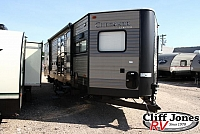 Pre-Owned 2017 Forest River Cherokee 274VFK Travel Trailer