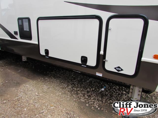 2017 Forest River Blue Ridge 3780LF Fifth Wheel