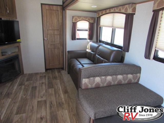 2018 Keystone Laredo 285SBH Fifth Wheel