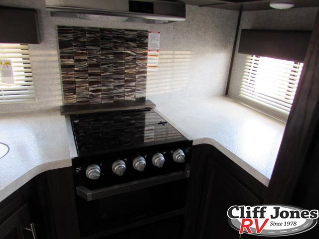 2019 Forest River Alpha Wolf 27RK Travel Trailer