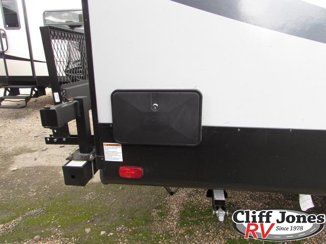 2019 Forest River Alpha Wolf 29DQ Travel Trailer Outside shower