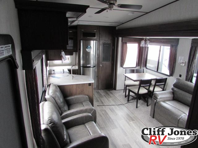 2019 Forest River Arctic Wolf 245RK Fifth Wheel