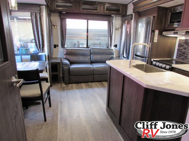 2019 Forest River Arctic Wolf 295QSL8 Fifth Wheel