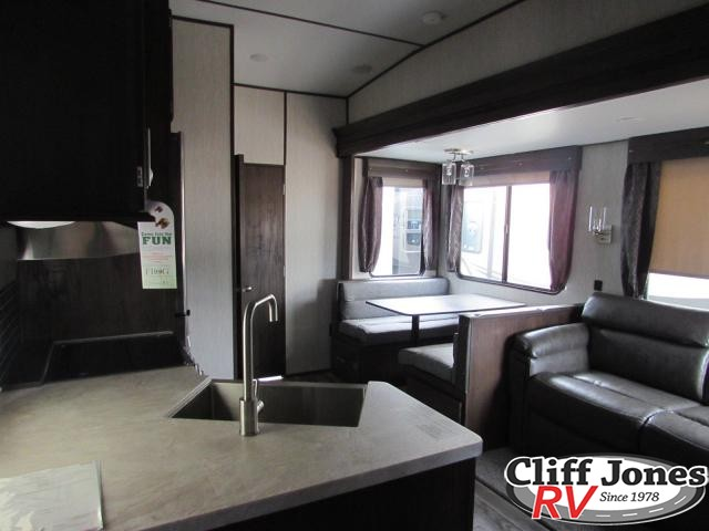 2019 Forest River Arctic Wolf 315TBH Fifth Wheel