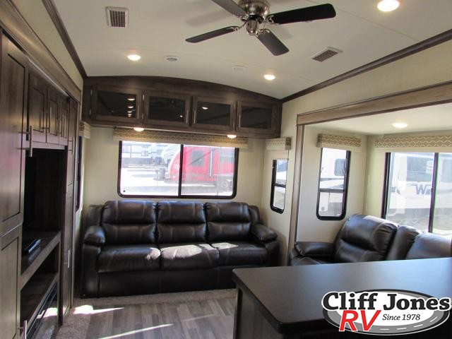 2019 Forest River Cardinal 3800RDLE Fifth Wheel