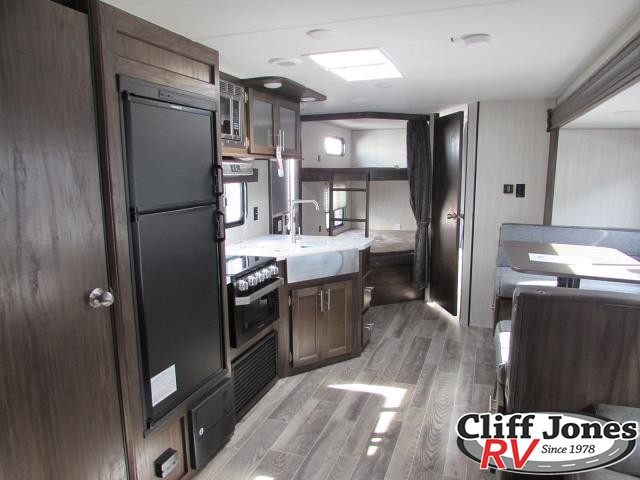 2019 Forest River Cherokee Grey Wolf 27DBH Travel Trailer