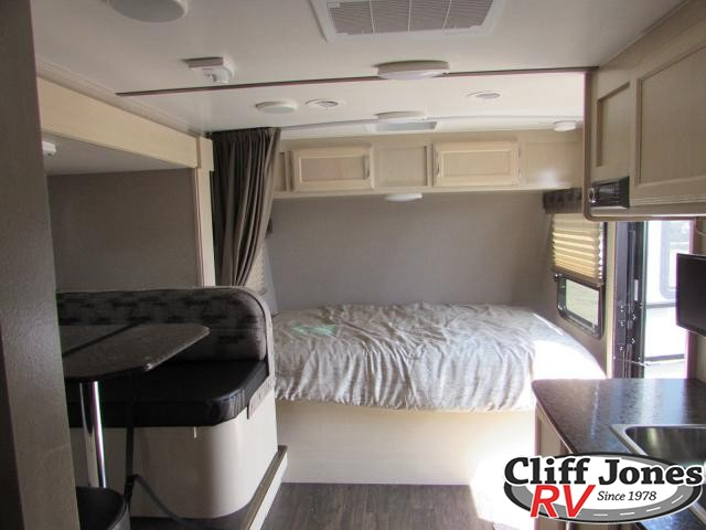 2019 Winnebago Micro Minnie 2100BH Travel Trailer