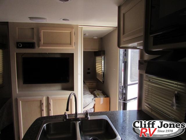 2019 Winnebago Minnie 2455BHS Travel Trailer