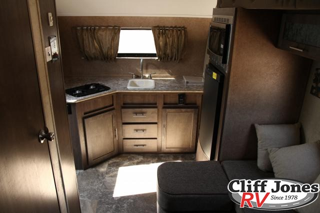 Pre-Owned 2015 Forest River R-Pod 179